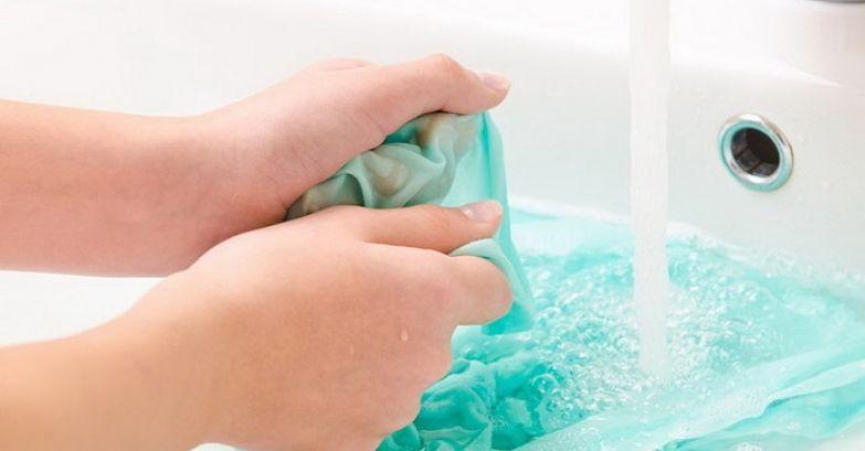плесень на шторке в ванной