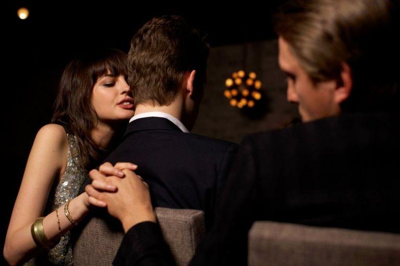 Жена изменяет мужа с двумя мужчинами фото 212-544