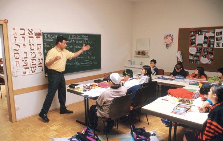 Я живу в Израиле 18 лет и каждый день удивляюсь еврейским обычаям и традициям