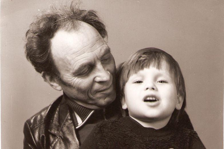 Дедушка Яков Михайлович заменил ребенку отца