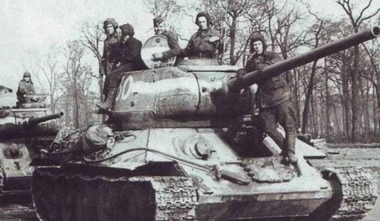 Танковое превосходство было на советской стороне.