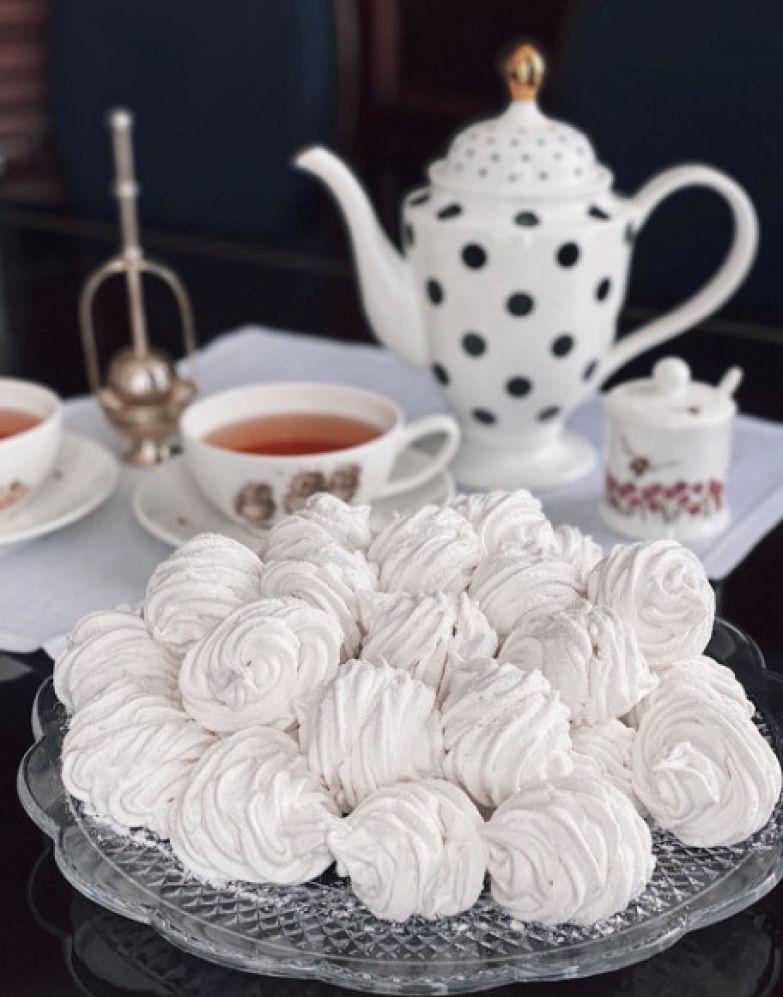 Татьяна не стала скрывать, что десерт приготовила не она, а ее помощница
