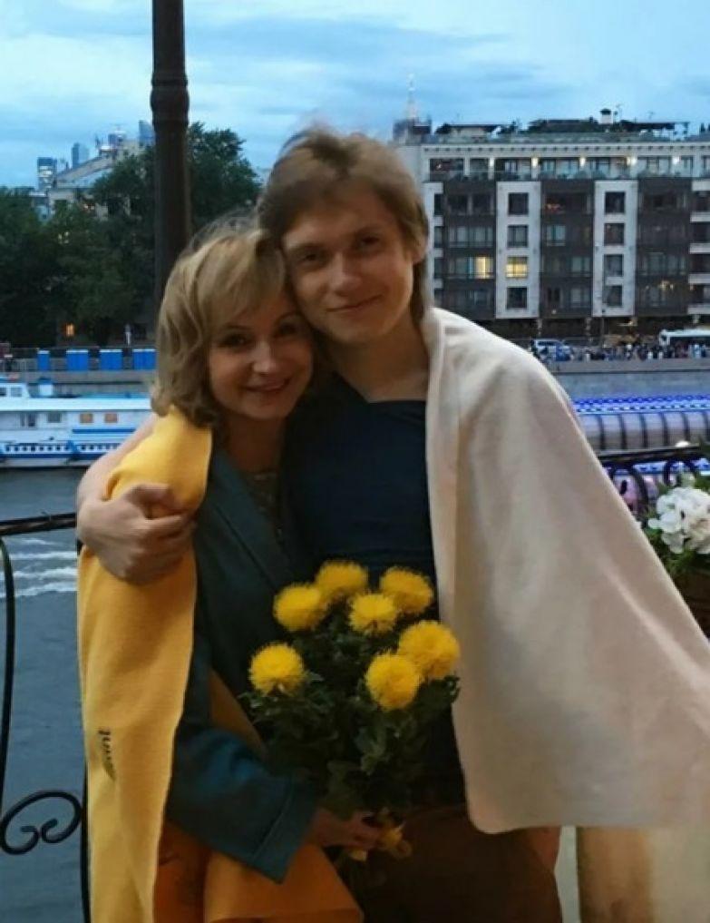 От союза с Соколовым у актрисы есть сын Александр