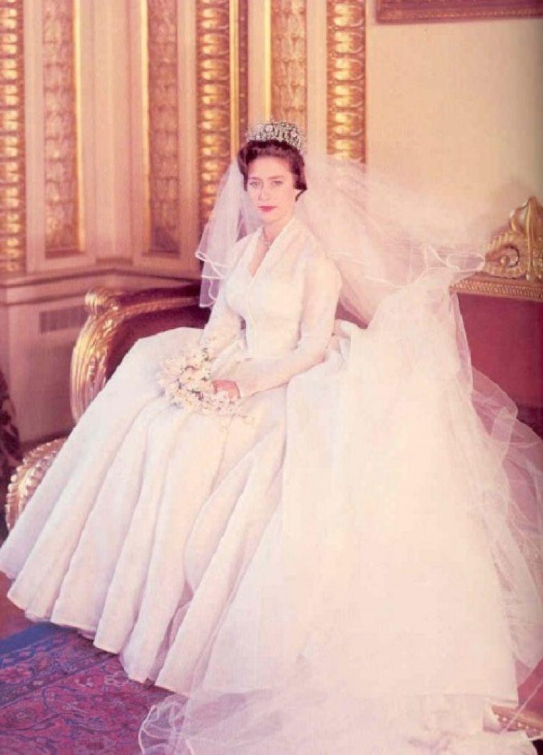 Принцесса Маргарет в свадебном платье.