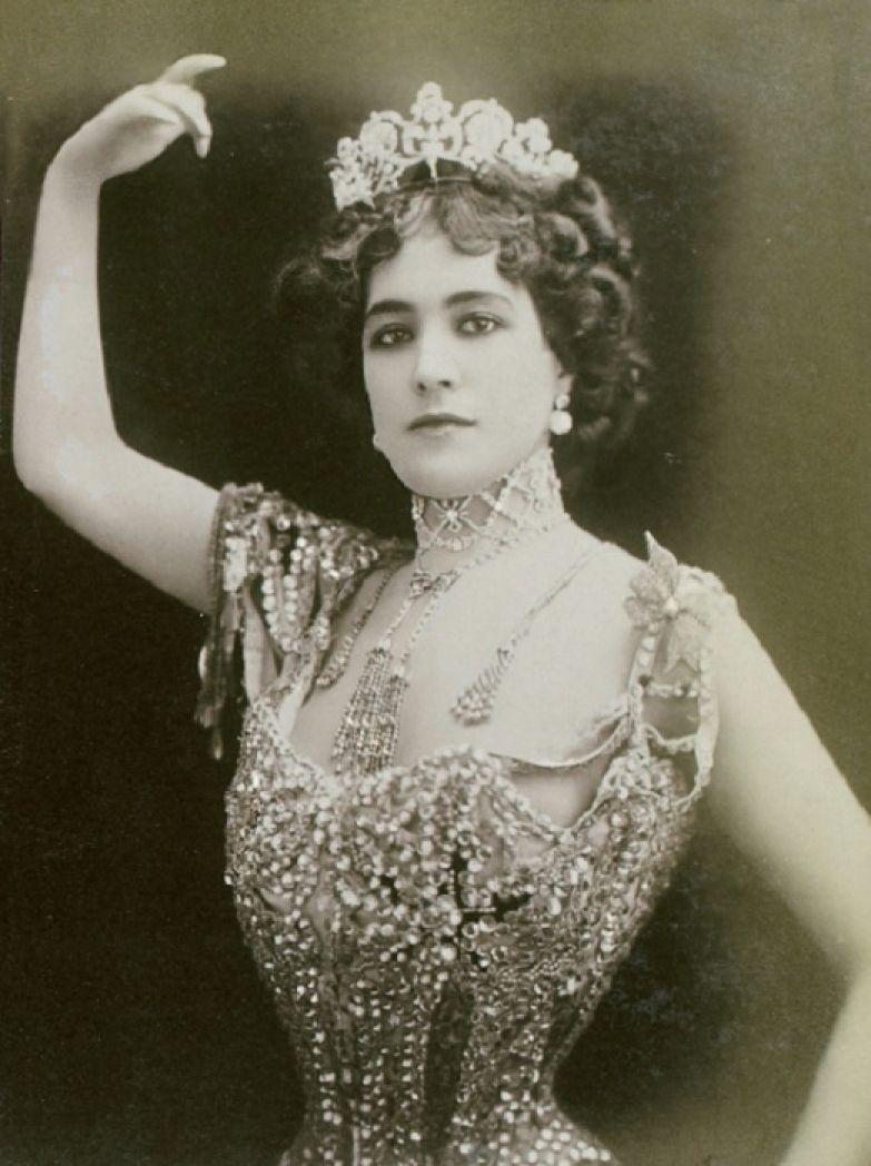 В середине XIX века Лола Монтес блистала на театральных подмостках Лондона, Парижа, Берлина. | Фото: travsd.wordpress.com.