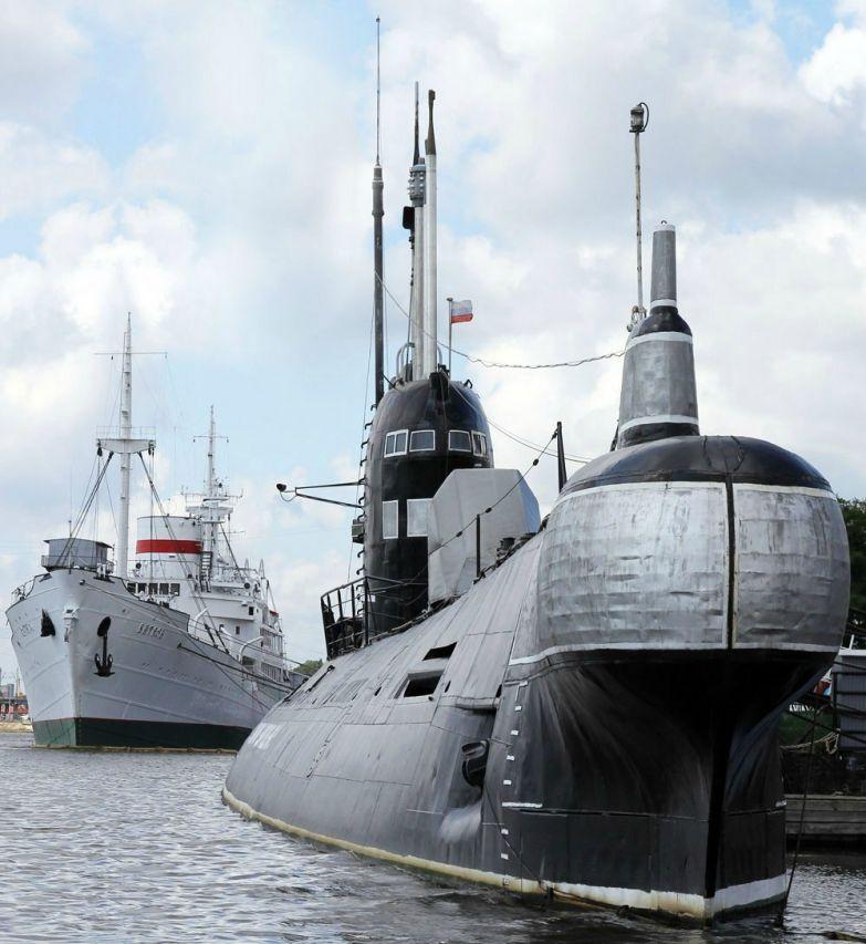 10-Submarine.jpg