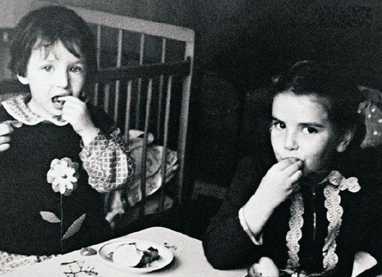 Алика и Елена смеховы, дочери актера. / Фото: www.7days.ru