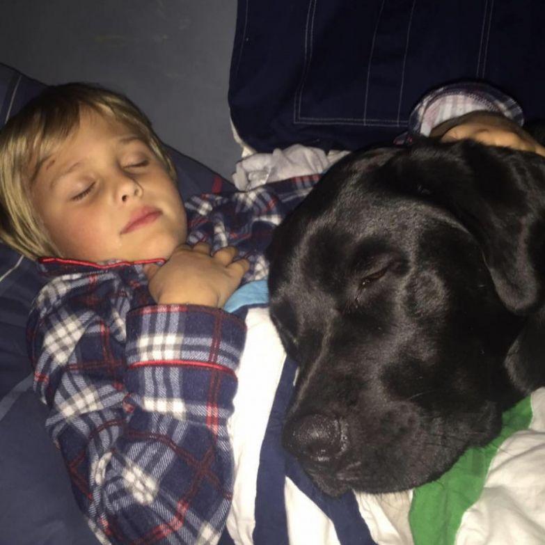Русский сын вошел к маме в спальню когда она спала фото 789-326