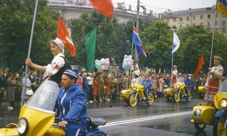 Первомайская демонстрация в Киеве ностальгия, ссср, фото, фотографии
