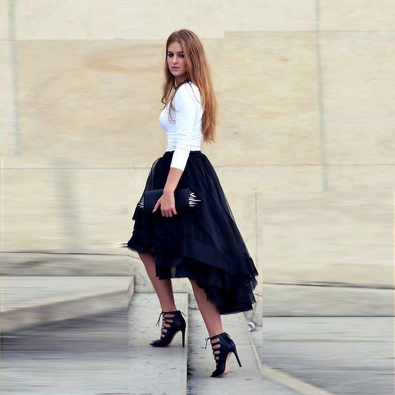 Случайно поднятые юбки
