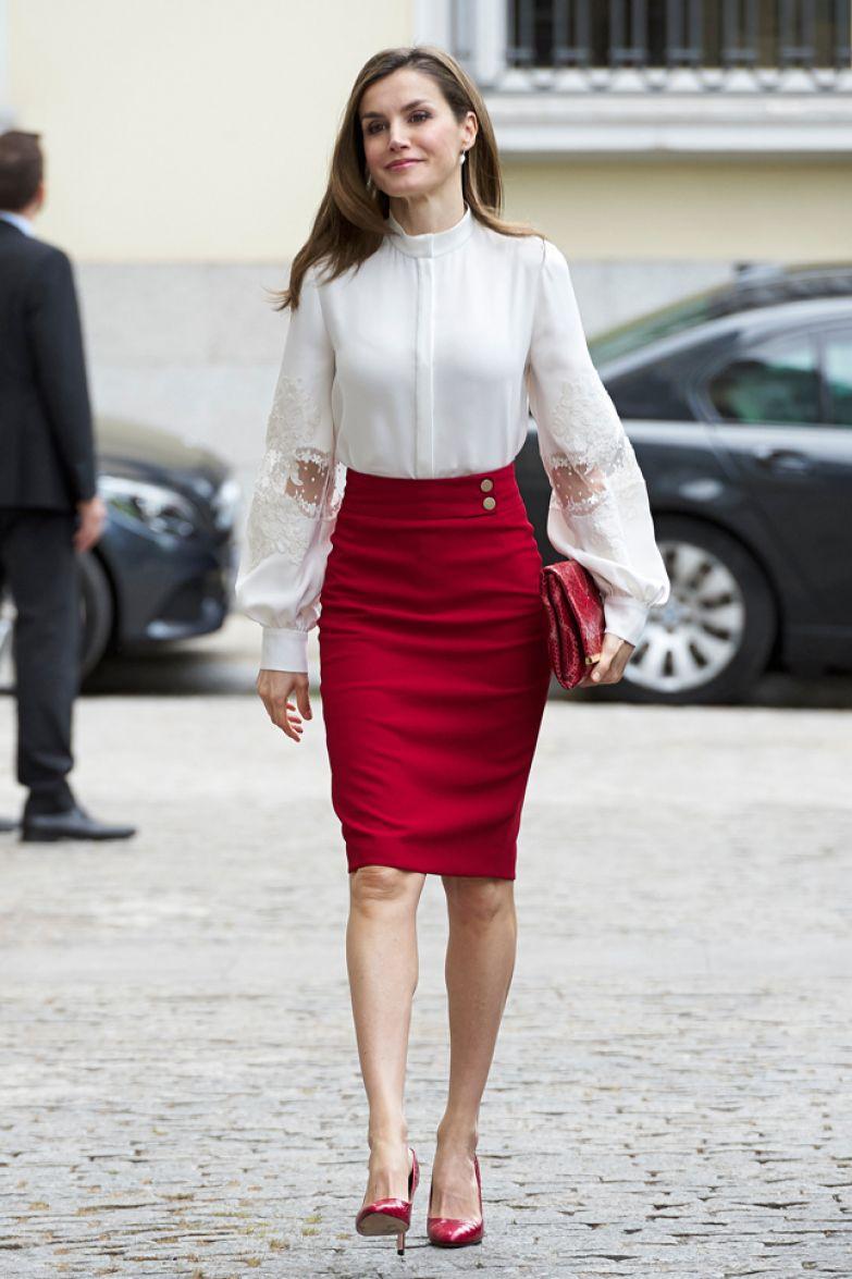 В юбке Hugo Boss и блузе Carolina Herrera на благотворительном вечере в Мадриде
