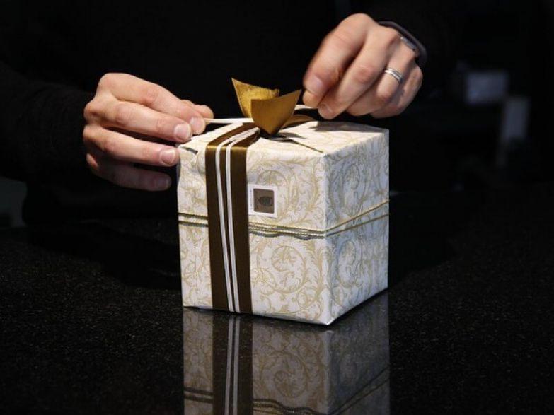 О подарках, зловещих и странных