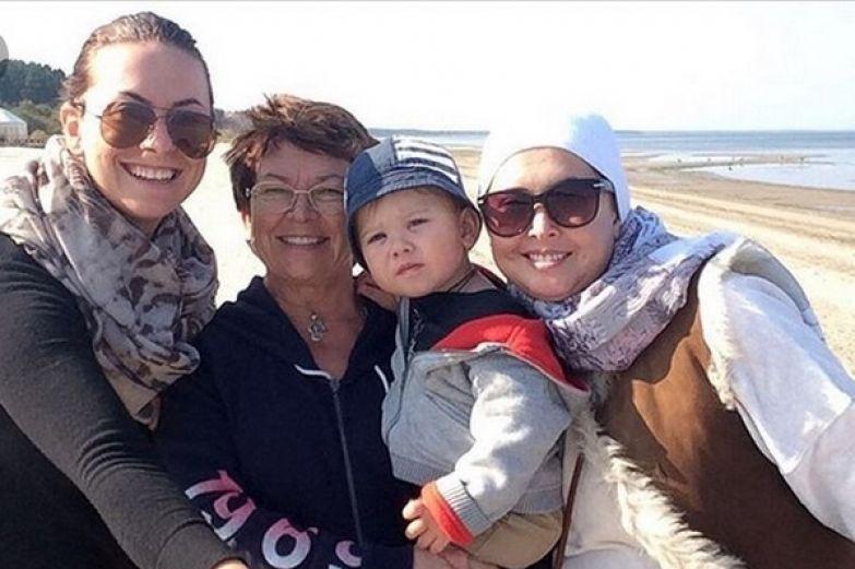 Платон с бабушкой, мамой и тетей