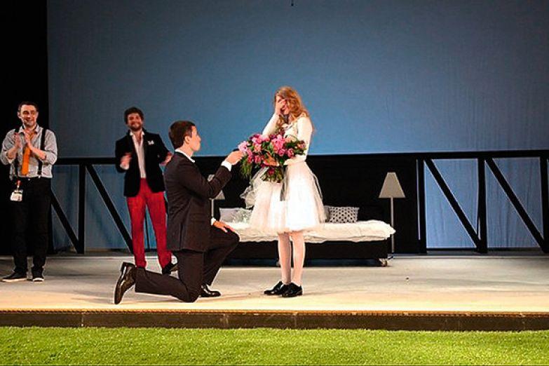 Петришин сделал возлюбленной предложение прямо на сцене