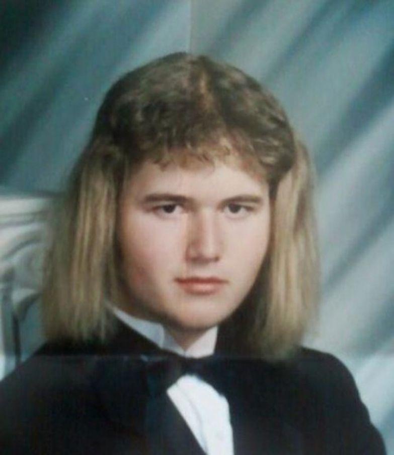 Судя по причёске, он мечтал стать спаниелем. идиоты, прикол, фрики, юмор