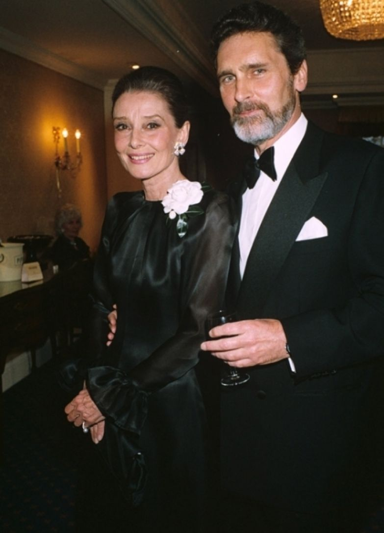 Одри Хепбёрн и Роберт Уолдер. / Фото: www.cinemaclassico.com