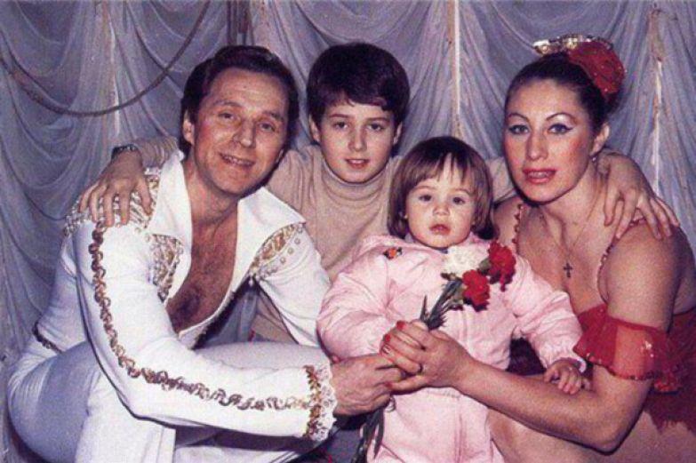 В браке родились сын Николай и дочка Ирина