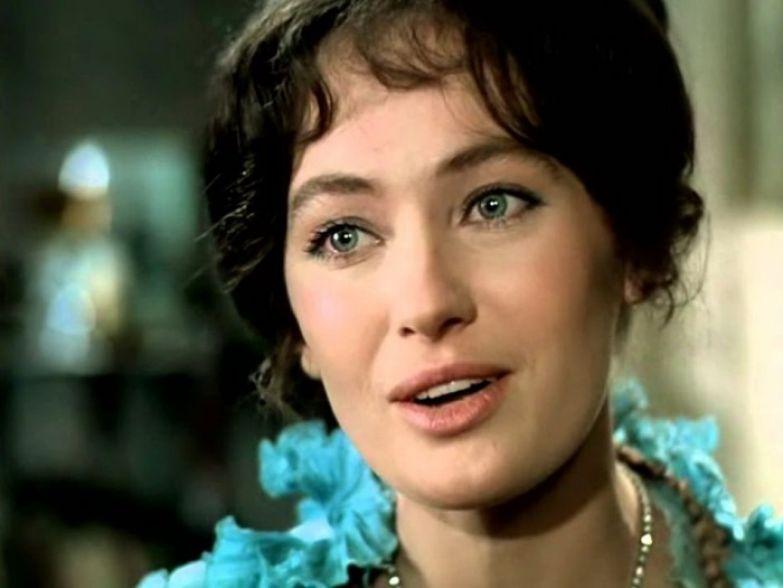 Лариса Гузеева в роли Ларисы Огудаловой | Фото: peoples.ru