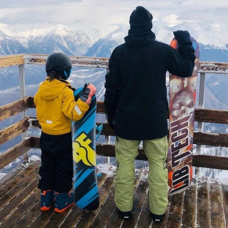 Недавно Дмитрий и Платон катались на сноубордах на Роза Хутор