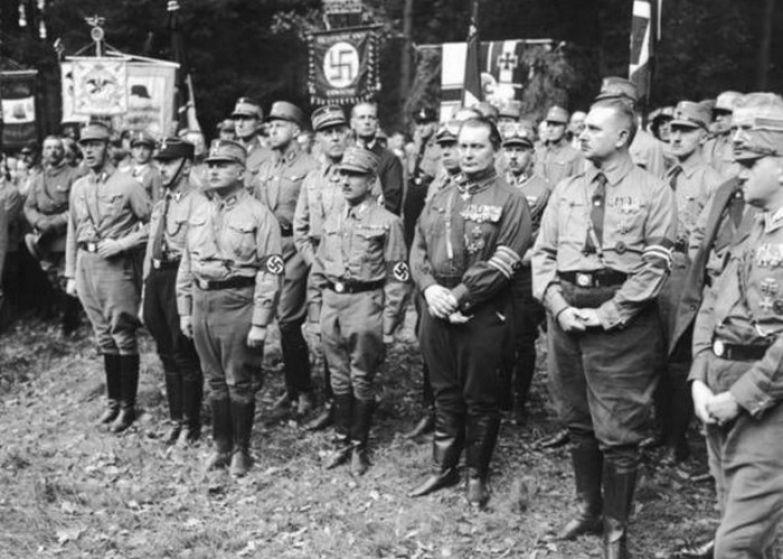 80 000 до 200 000 убиты нацистами.