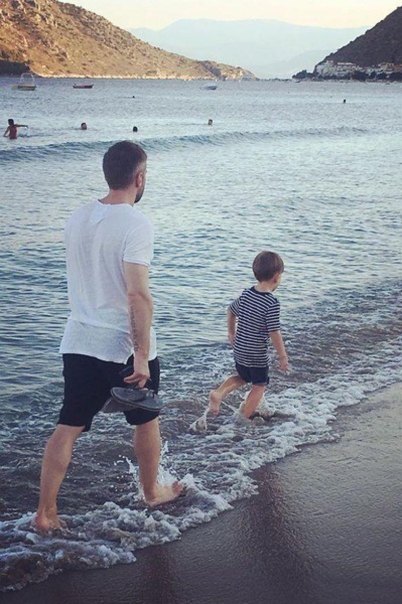 Телеведущий не дает семье Фриске общаться с сыном