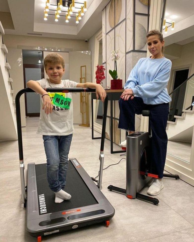 Семья тренируется вместе