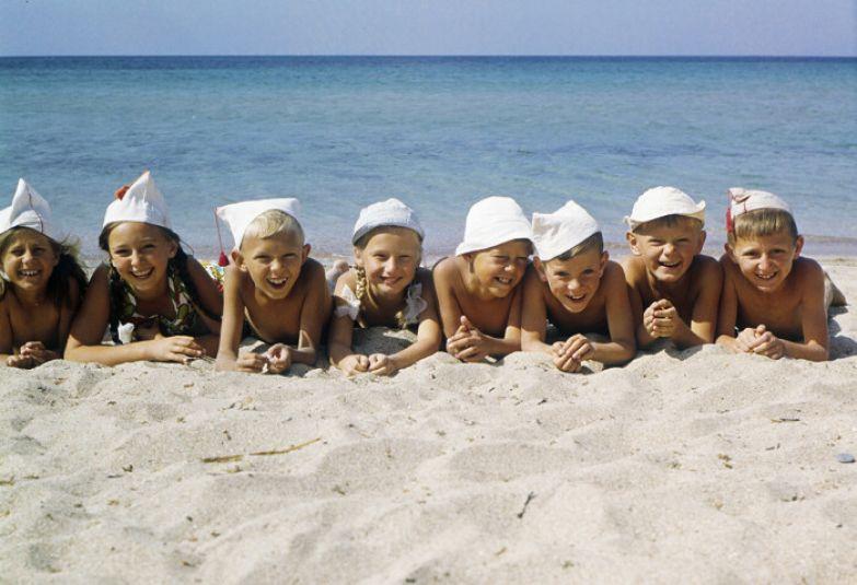 Лагерь на берегу моря был заветной мечтой многих родителей. /Фото: s.zefirka.net