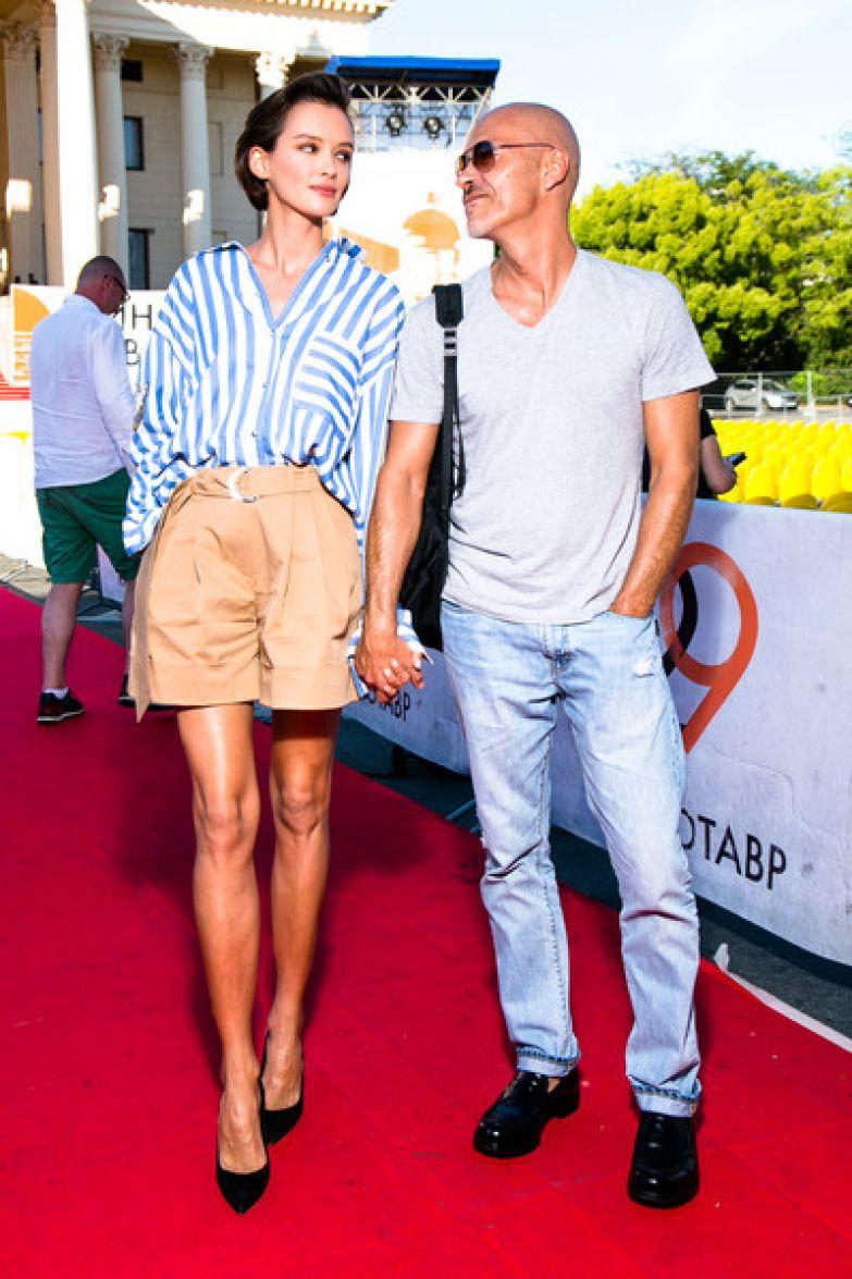 Год назад Бондарчук и Паулина сыграли закрытую свадьбу...