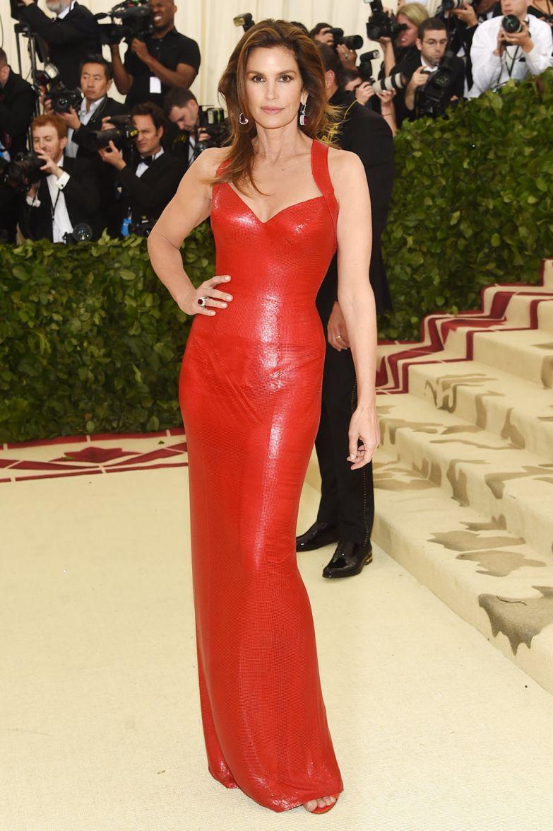 Синди Кроуфорд в Versace
