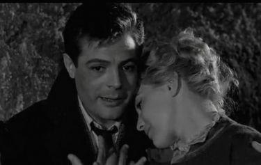 Марчелло Мастрояни в фильме *Белые ночи* (1957 г.). / Фото: Кино-Театр.РУ