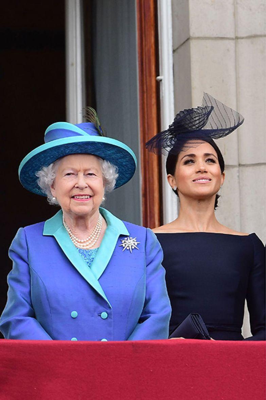 Елизавета II и Меган Маркл