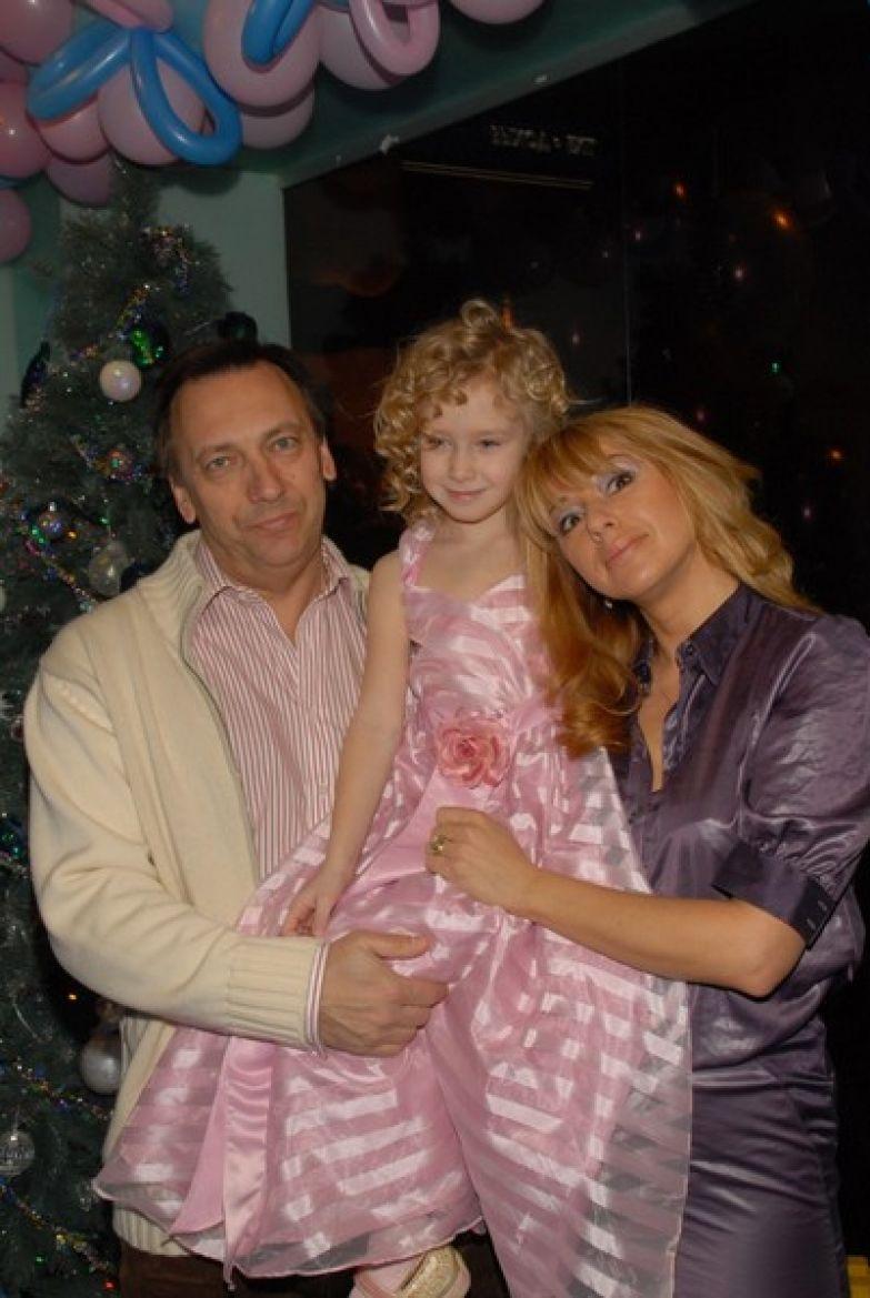Алена Апина была счастлива рождению дочки