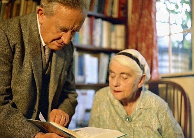 Толкин часто называл свою жену моя Лютиен. / Фото: epitafii.ru