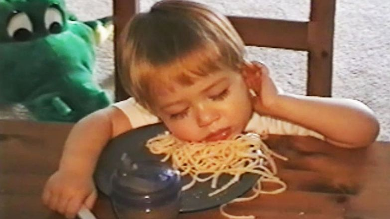 16. Было слишком много еды. дети, дети спят