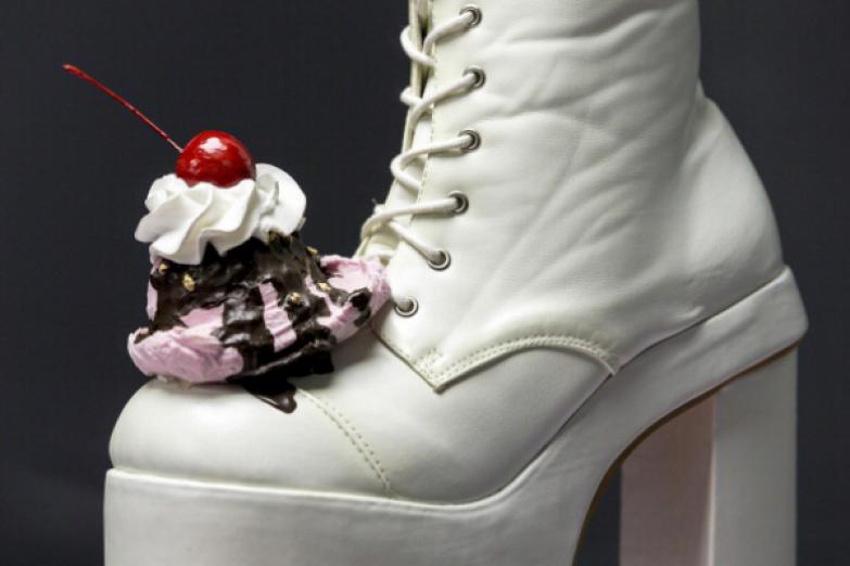 Пара обуви под названием
