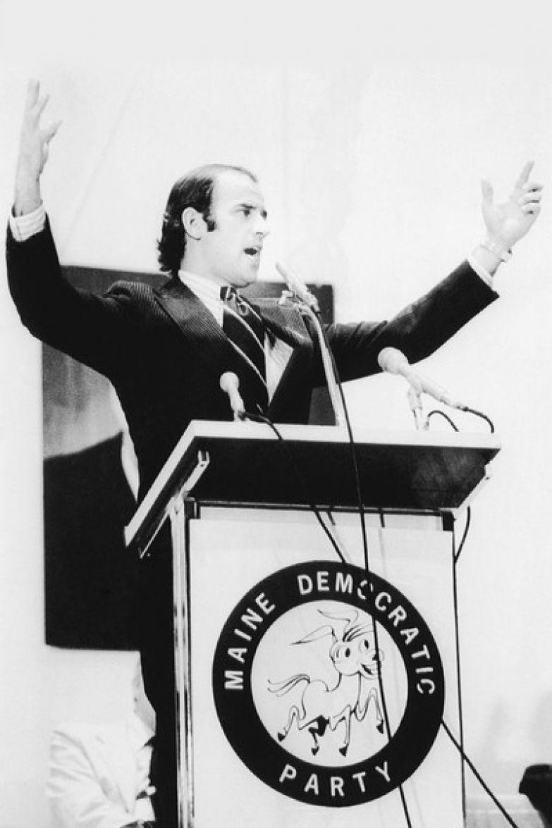 Джо с юности увлекался политикой