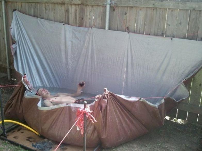 11. Но если тракторной шины нет, то можно сделать бассейн из палатки дача, дачники, огородники, прикол, фото