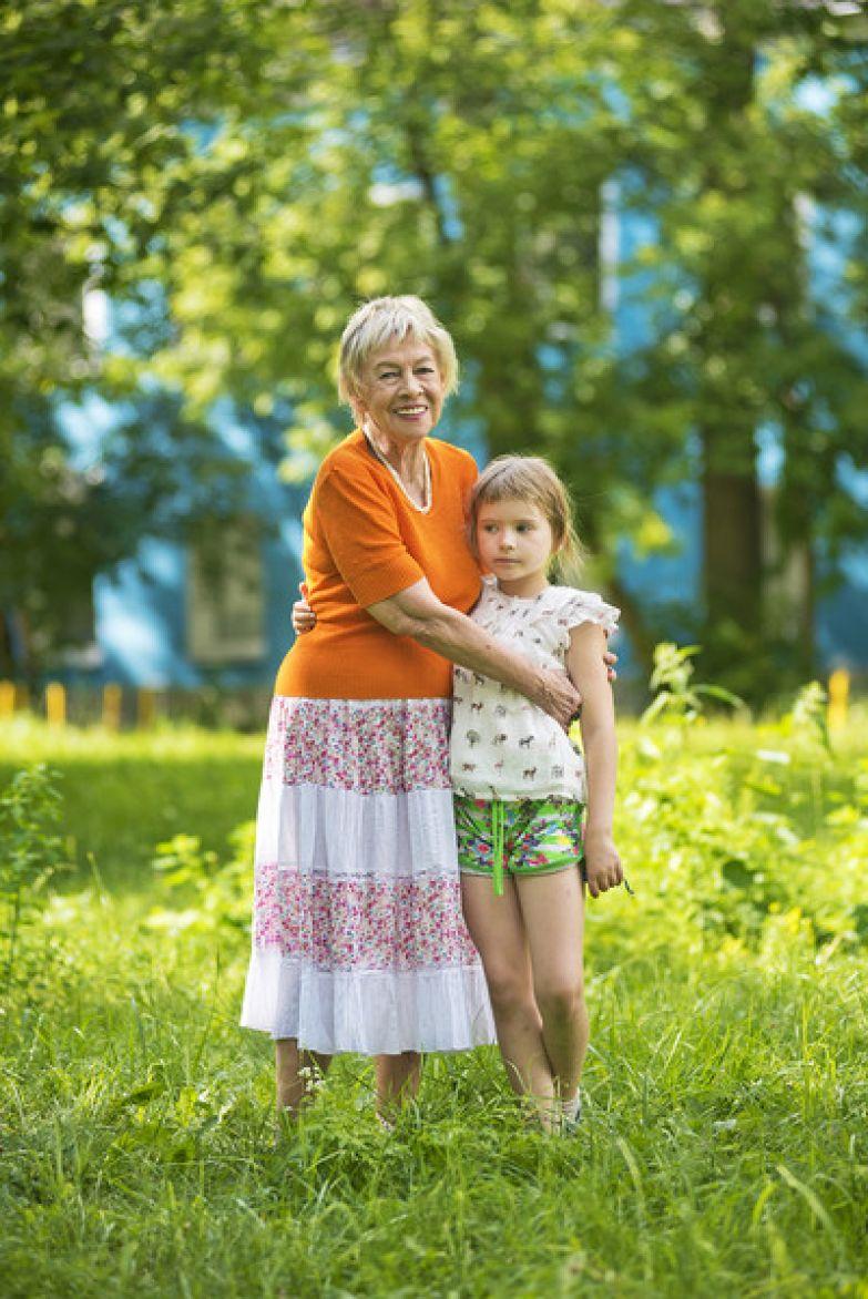 Александра Назарова окружила внучку заботой и любовью