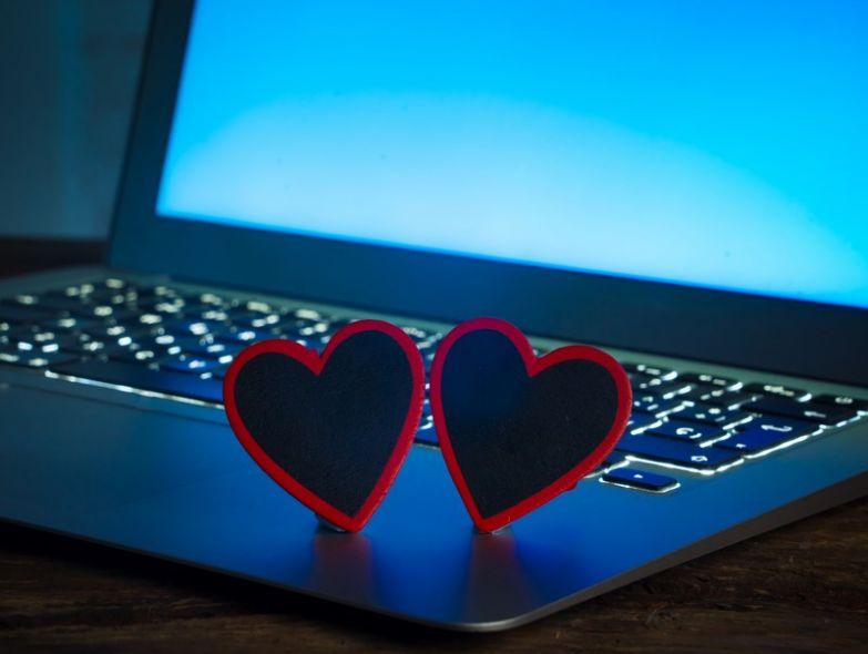 сайты знакомств за и против
