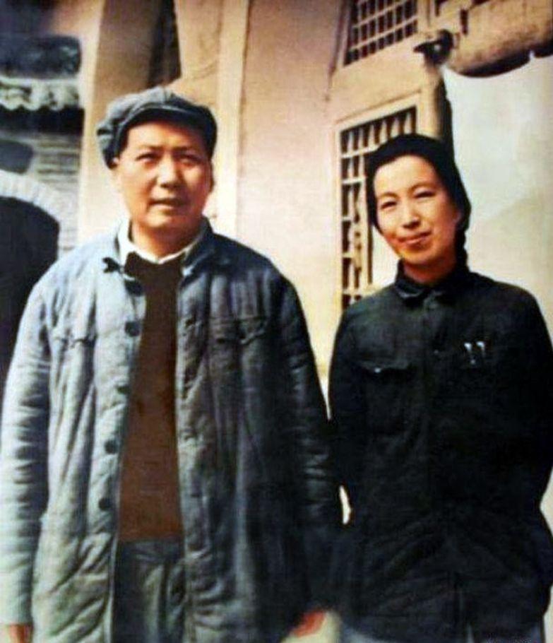 История женщины, которая держала под каблуком Мао Цзэдуна (И ей было мало)