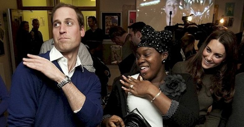 11. Невероятное совпадение британия, королева Елизавета, королевская семья, этот неловкий момент