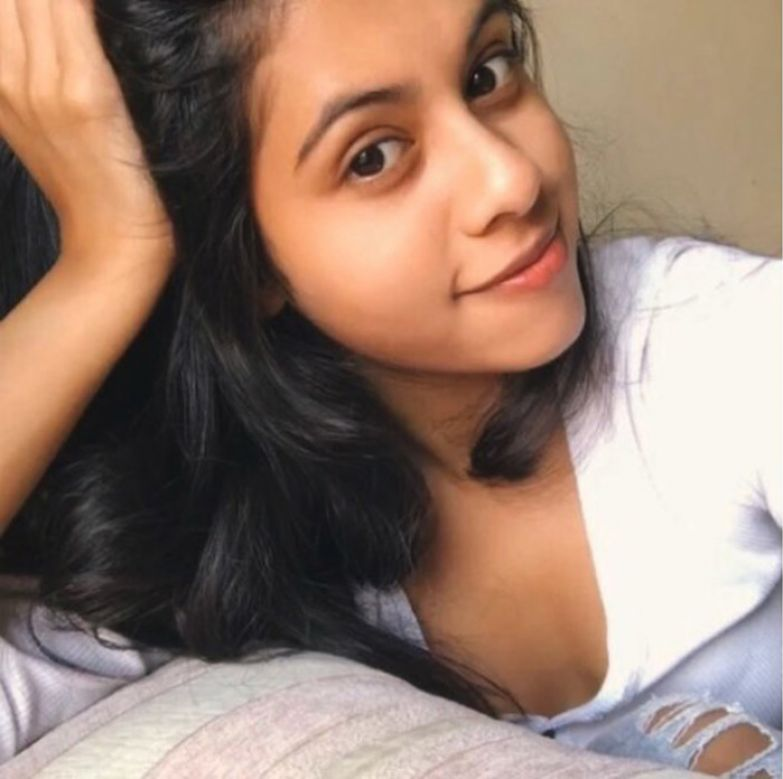Дишани намерена идти по стопам отца и стать актрисой. Instagram dishanichakraborty.