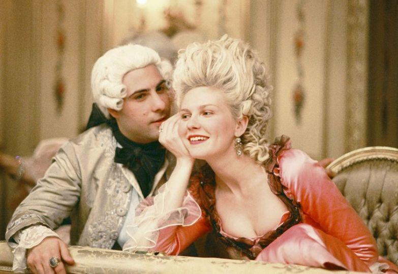 12 темных секретов прошлого, которые сорвут с него покров романтики
