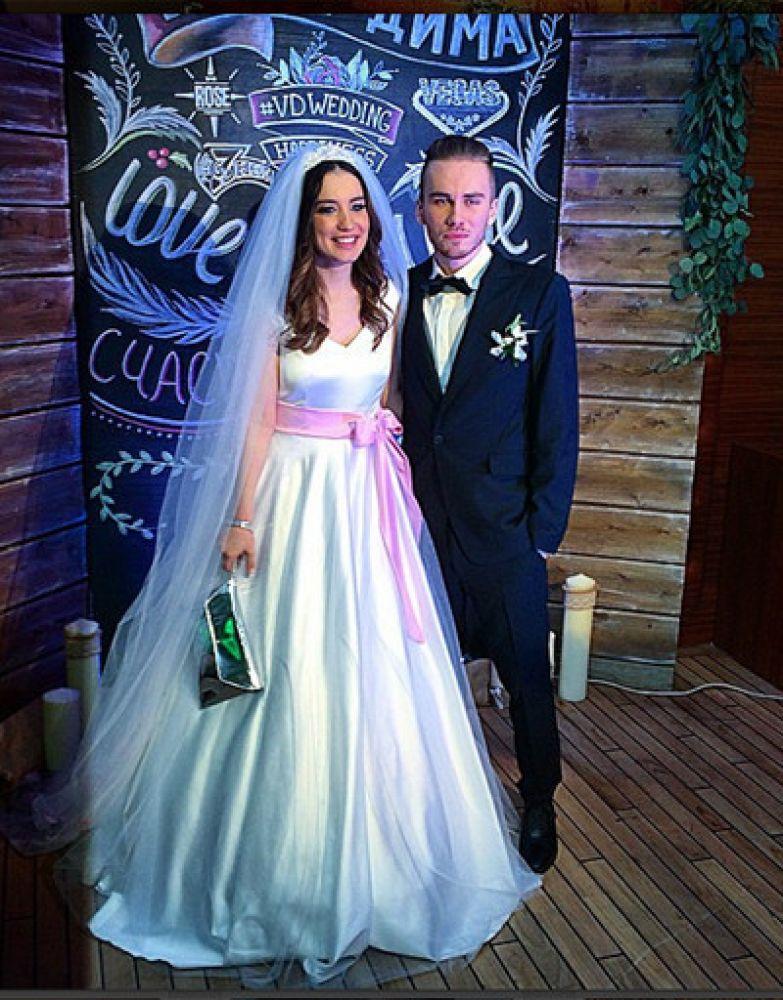 Дайнеко и Дмитрий Клейман сегодня уже не муж и жена, но платье Вики ее поклонники помнят до сих пор