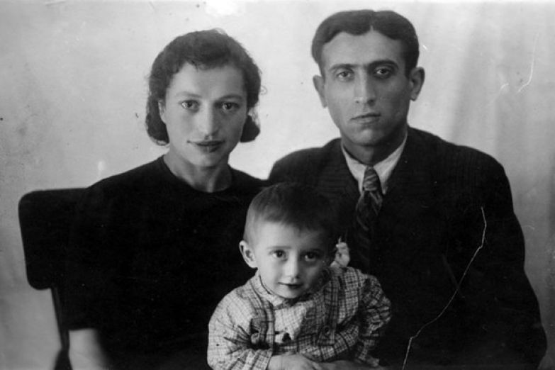 Юрий Айзеншпис появился на свет в семье с богатой историей