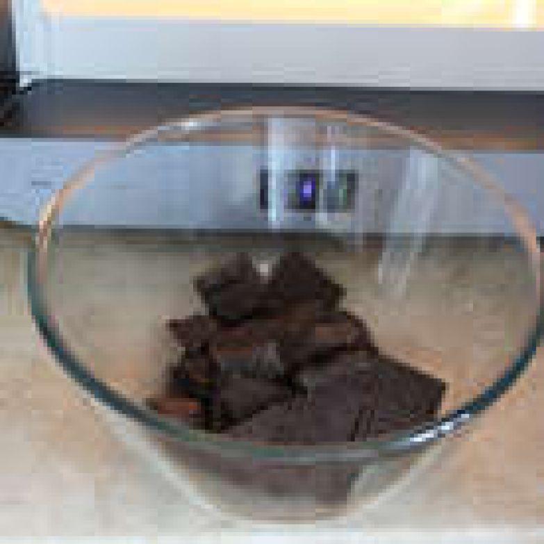 Начинка: Шоколад растопите.