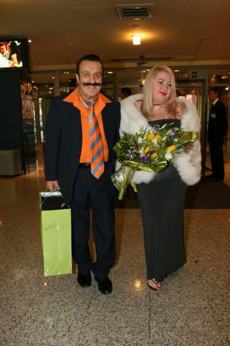 Супруга Юлия до последнего была с певцом