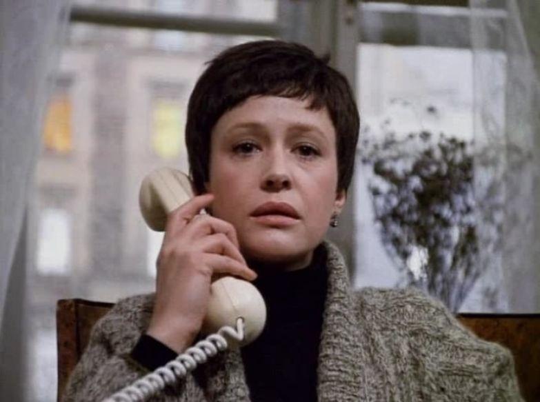 Марина Неелова в фильме *Осенний марафон*, 1979 | Фото: pichostingsite.com