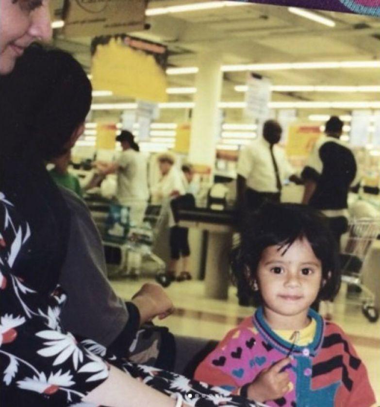 Дишани всегда была любимицей в семье. Instagram dishanichakraborty.