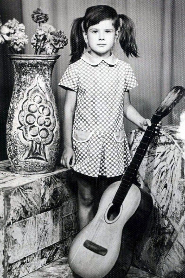 Юлия Высоцкая с детства мечтала стать артисткой